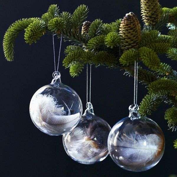 Kerstballen met veertjes