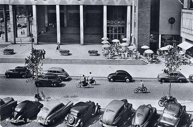 Rotterdam - Spinhuisstraat. Hier werd het pas 31 Maart 1953 Beursplein. Tot 1942 was het Beursplein bij de Blaak.