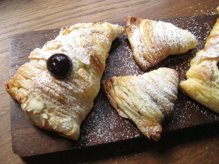 Sfogliatelle Ricci and Lobster Tail Pastries