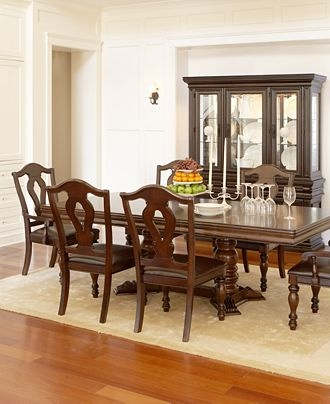 Royal Manor Dining Room Furniture 9 Piece Set Table 6 Side Chairs And 2 Arm