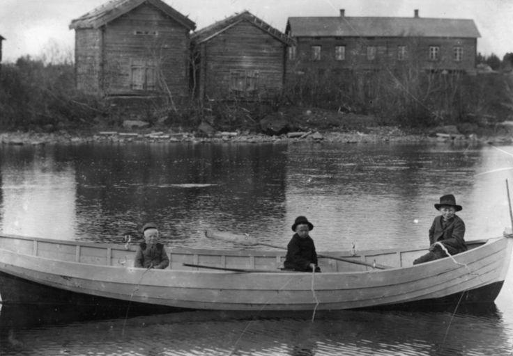 Pojat Ohava li circa 1900 - Finland