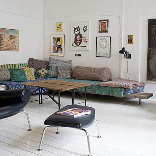 Like.: Living Rooms, Couch, Pattern, Vintage Floral, Fabrics, Scandinavian Retreat, White Wall, Sofas, Carpenter Shops