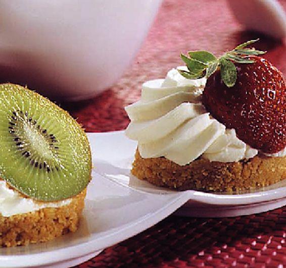 Μικρά cheesecake της στιγμής με ΠΤΙ-ΜΠΕΡ ΠΑΠΑΔΟΠΟΥΛΟΥ