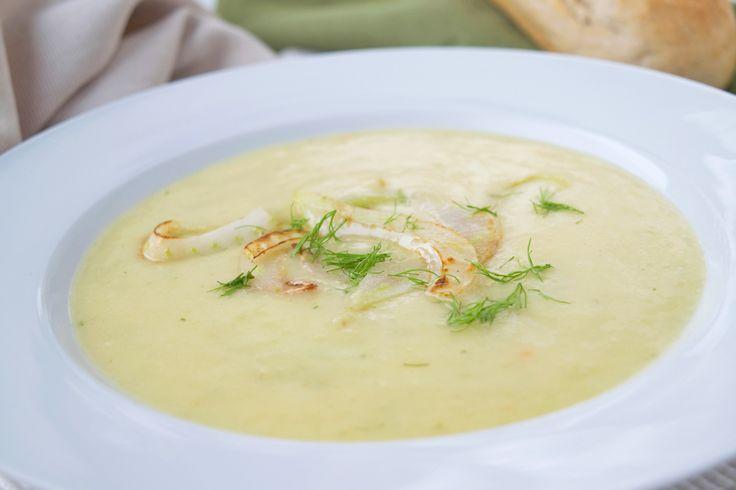 Das Rezept der Fenchelsuppe hat einen köstlichen Geschmack durch die Beigabe von Anis.