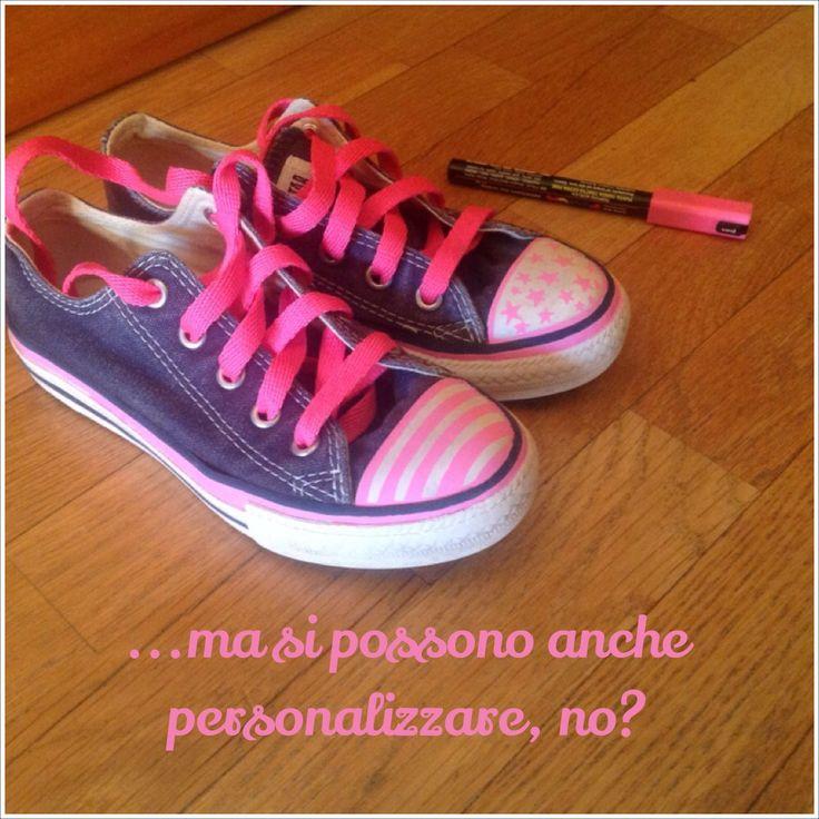Le scarpe ereditate dal fratello...si possono anche personalizzare no?:-) #refashion #diy #shoes #uniposca #pink