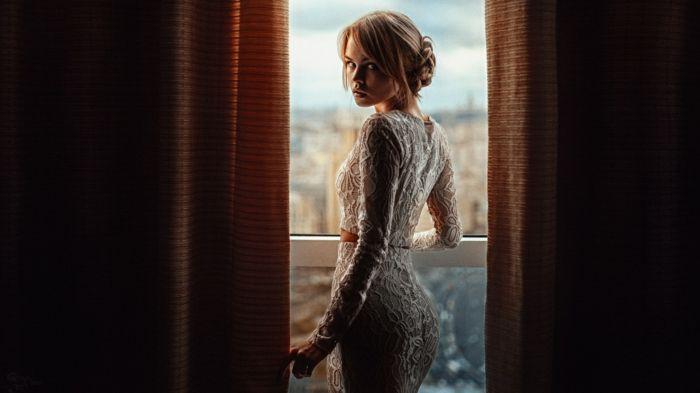 Idée tenue robe témoin mariage tenue chic robe de soirée mariage deux pièces jupe etroite et top dentelle