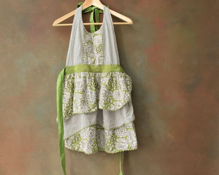 Simply Envogue Full Apron with Ruffles Greenery and White 100% Cotton One Size  | eBay