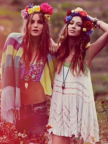 ALL of this, espesh the Flower crowns. So awesome.
