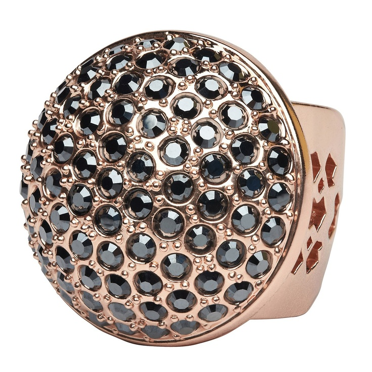 A glam statement in gorgeous rose gold. Our latest Magic Mirage Cocktail Ring features sparkly Swarovski crystals worked back with delicate cut-out metal work. Influenced by metal lamps from those balmy Arabian nights, let it adorn your hand for a glamorous look that packs a punch.
