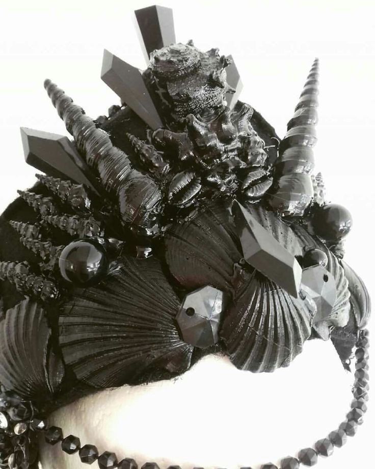 Dark princess headpiece / Halloween costume headpiece  Merman shell crown/ Mermaid Crown Black/ Headpiece. Check out my etsy shop  https://www.etsy.com/uk/shop/AlterEgoByKelly