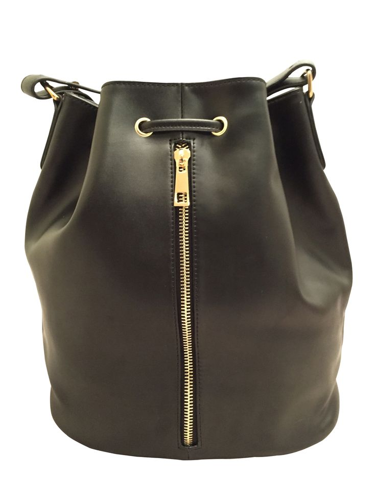 Hailed as the style of the season, the bucket has been inaccessible to mums  until now!  A midnight black leather featuring a slight shine, natural grain and  fabulous gold hardware, our Clover Bucket is the perfect baby bag to bring  some cool girl style to your wardrobe.  The leather is strong and sturdy to ensure it can survive the children  and/or partner. The perfect combination for a baby bag!  Nylon lining for easy wipe clean with plenty of pockets:      * 5 internal pockets, deep…