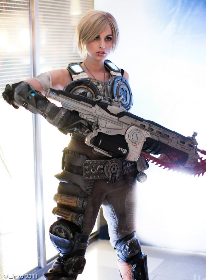 Anya Stroud - Seriously awesome Gears Of War Cosplay
