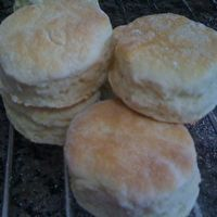 Granny's Homemade Biscuits by http://grannyskitchen.wordpress.com/2007/09/17/grannys-homemade-biscuits/