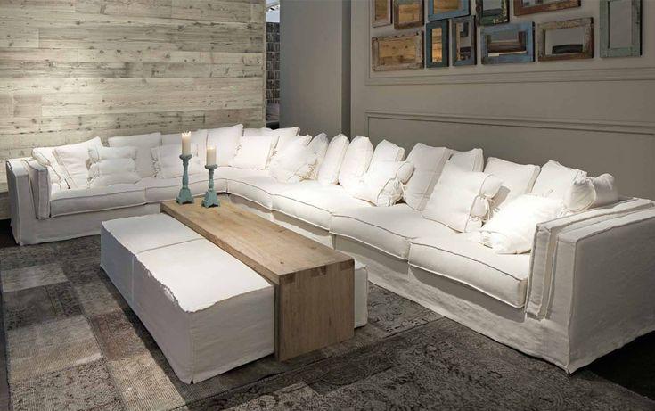 De mooiste sofa's in ieder gewenste stof en afmeting! Sfeervol wonen / Klassiek wonen / Landelijk wonen / meer info www.smellinkclassics.nl