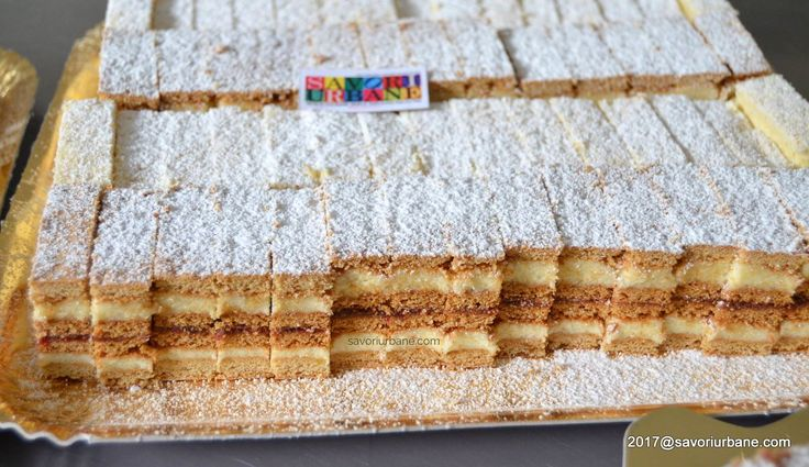 Prajitura Albinita (Dulcineea) cu foi cu miere si crema de gris. Albinita este cunoscuta si ca Albinuta, Prajitura Dulcineea, Prajitura Claudia, Mimoza, Mez