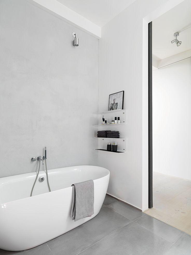 El baño - AD España, © D. R.