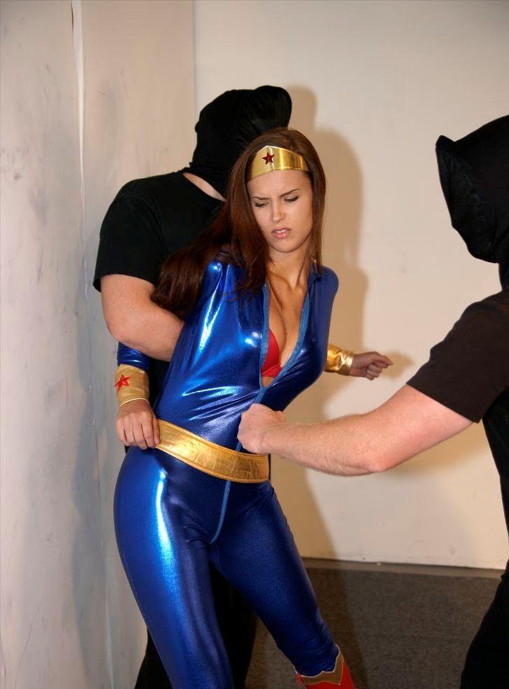 Damn I love this photo - Superheroine Blog