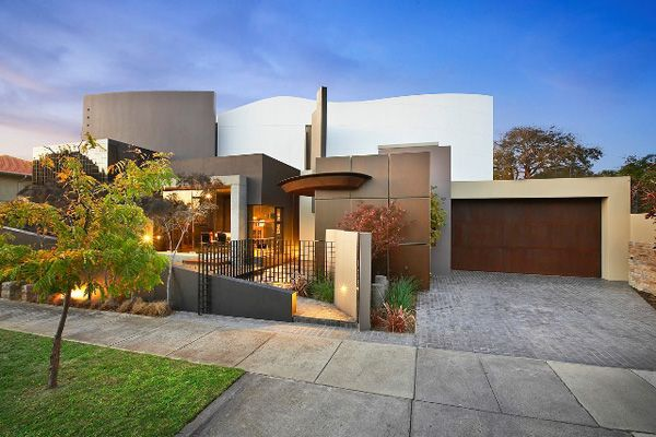 Modern luxury home in australia blairgowrie court for Modern luxury house design