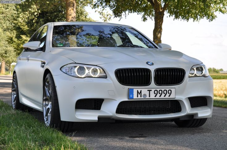 F10 BMW M5 Frozen White