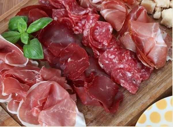 25 best ideas about assiette charcuterie on pinterest - Presentation buffet froid deco ...