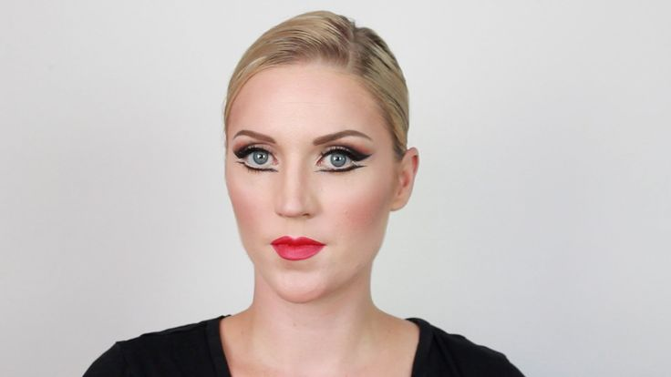 """In this tutorial I show you how to do a basic ballet makeup or theatrical makeup. This is also known as a basic """"pretty"""" stage makeup. It will help your expr..."""