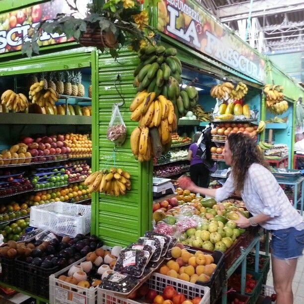 La Frescura si! Exotic Colombian fruits. So many choices, so fresh, so organico.