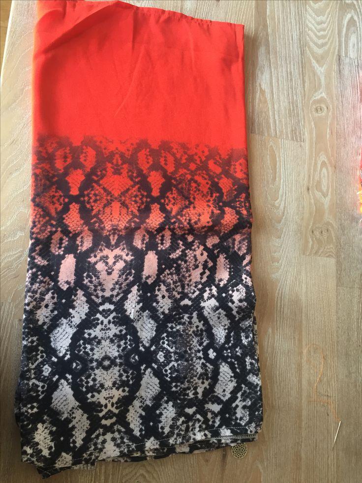 1 van 7 stoffen designs van oranje tab