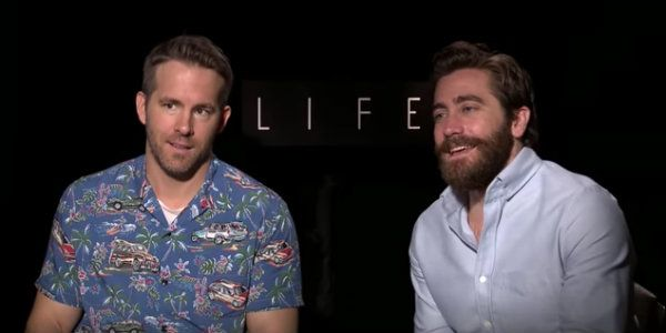 Watch Jake Gyllenhaal And Ryan Reynolds Lose It, Get Hilariously Weird During A Life Interview #FansnStars