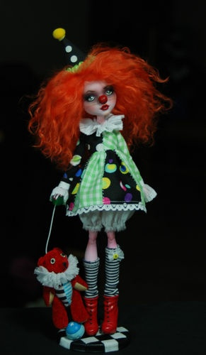 OOAK Draculaura ♥ Custom Repaint The Performers Art Doll ♥ Monster High | eBay. Clown!