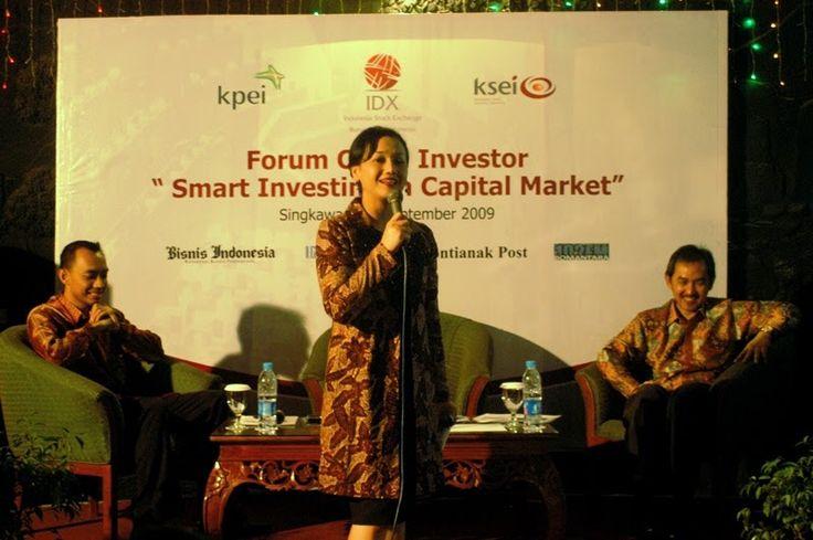 Kiki Widyasari sebagai nara sumber pada salah satu acara temu investor di Singkawang Kalimantan Barat