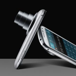 Samsung Galaxy K Zoom, Ponsel Kamera Dengan Layar 4.8 Inci.