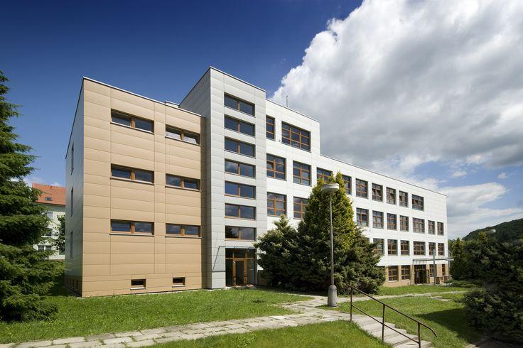 CETRIS PROFIL FINISH et CETRIS FINISH / Façade de bureaux
