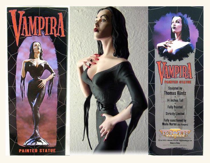 vampira statue
