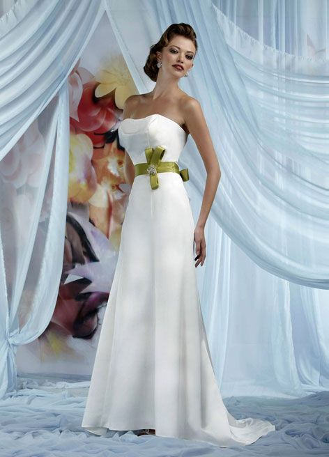 Four courts louisville wedding dresses