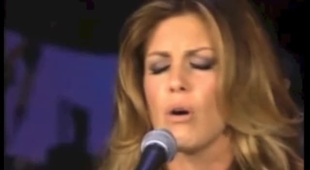 Faith Hill in a Stunning Performance of I Surrender All - Music Videos
