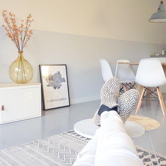 Sfeer en kleur instagram @remade with love, mooie kleur lambrisering ON.00.81 van flexa