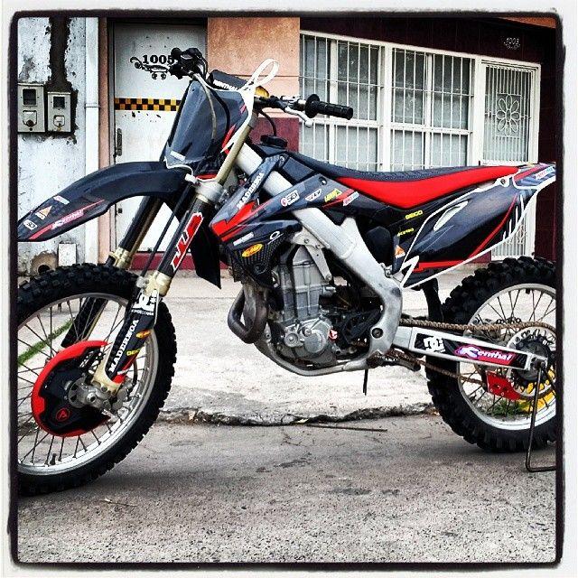 #diseño #vinilo #motos #honda #crf #stikers #calcos #ploteo #tucuman