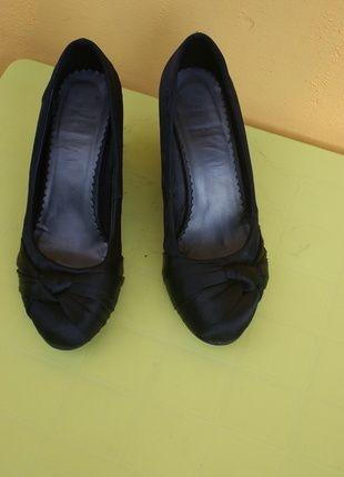 Kup mój przedmiot na #vintedpl http://www.vinted.pl/damskie-obuwie/polbuty/10275694-polbuty-czolenka-koturn-39r-naomi
