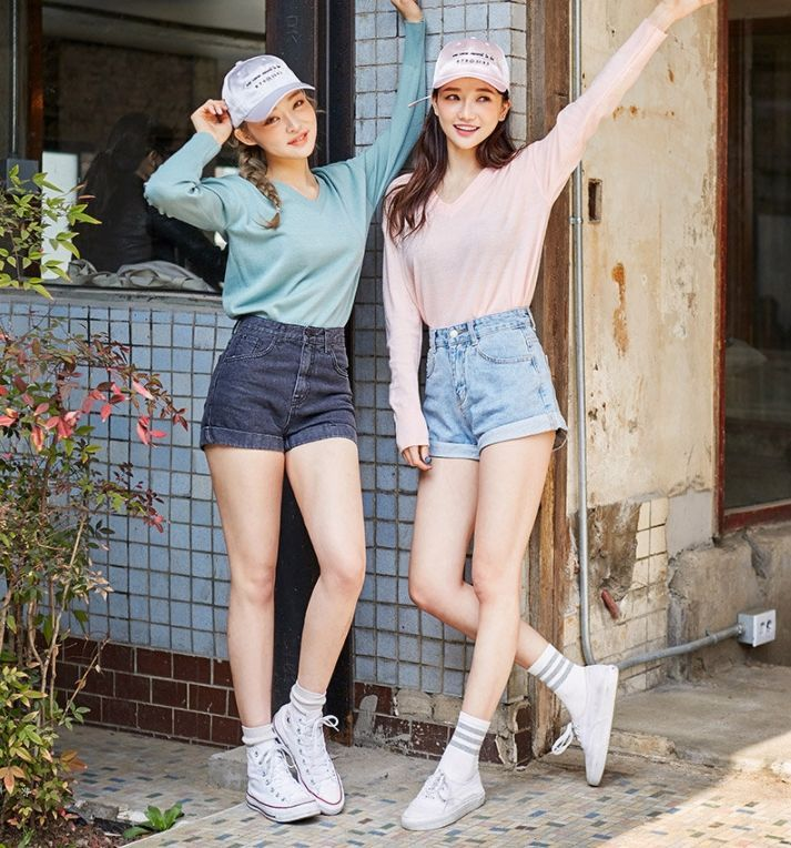 chuu - Long-Sleeve V-Neck Sweater