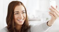 3 γρήγορα τιπ για να φρεσκάρεις το μακιγιάζ σου | ομορφια , μακιγιαζ | womenonly.gr