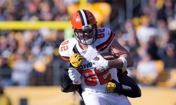 Ex-Browns TE Gary Barnidge visiting the Bills = Former Browns TE Gary Barnidge is visiting the Buffalo Bills, according to Mike Garafolo of NFL Network. Barnidge was quickly replaced during the 2017 NFL Draft, when the Browns took TE David Njoku in the first round. Initially, he…..
