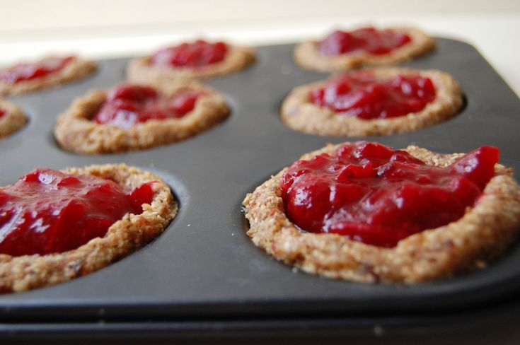 Cranberry taartjes; raw + vegan + glutenvrij!