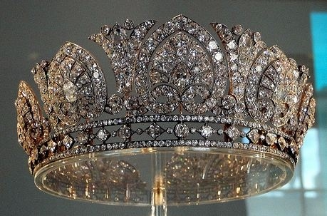 royal tiaras and crowns | Royal Crowns, Tiaras and The Family Jewels / Tiara of the Dukes of ...