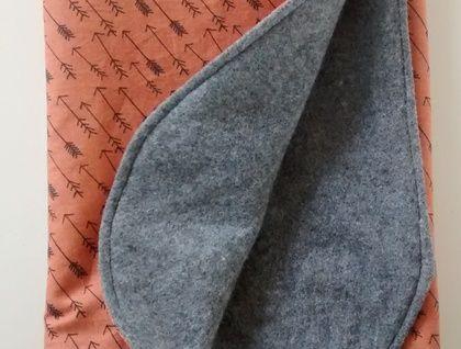 woolen arrow blanket