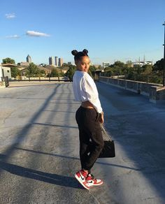 @benitathediva  Cute comfy clothes - school outfit - college outfit - nike - sneaker fashion - women