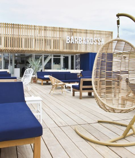 Barbarossa  beachclub bar restaurant Scheveningen exterior terrace lounge Hubert Crijns architects
