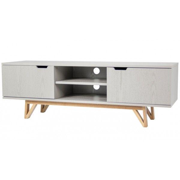 TV-Dressoir Asger van het merk Oznet Furn heeft 2 deuren. Binnenin de kast zitten aparte vakken voor veel opberg mogelijkheid. De meubels van Asger zijn voorzien van een taupekleurige verf waar de houtnerf doorheen te zien is.