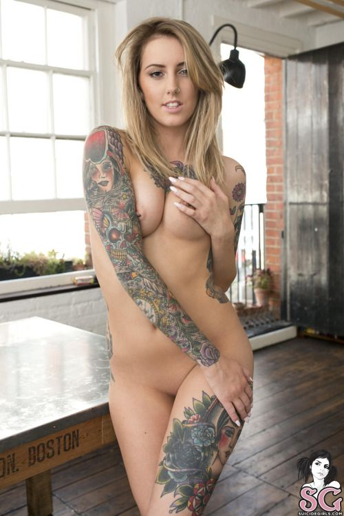 Naked tattoed hot chicks