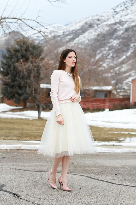 VERY simple tulle skirt tutorial @Brianna Padron i'm ready for your shower skirt if you still want it!