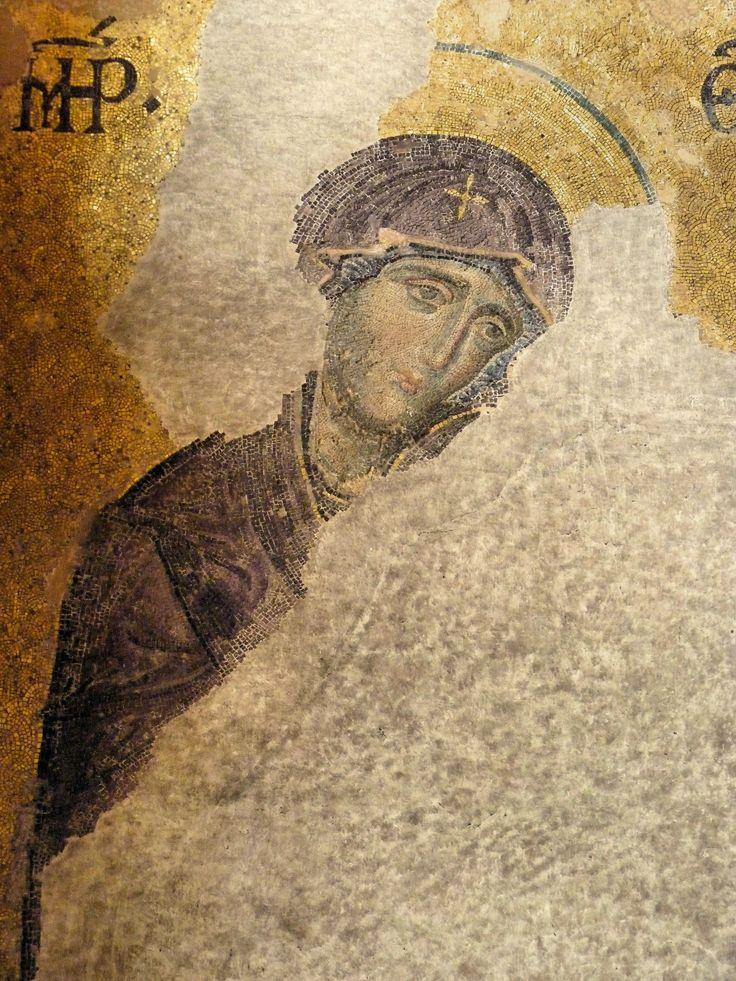 IBasilica di Santa Sofia, Istanbul. Deesis. Cristo benedicente tra Madonna e San Giovanni Battista. Mosaico, XII secolo, Rinascenza comnena, datazione di Lazarev